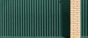 Забор из профлиста. С чего начать? Подготовительные и земельные работы, Монтаж столбов и лаг, Крепление профнастила