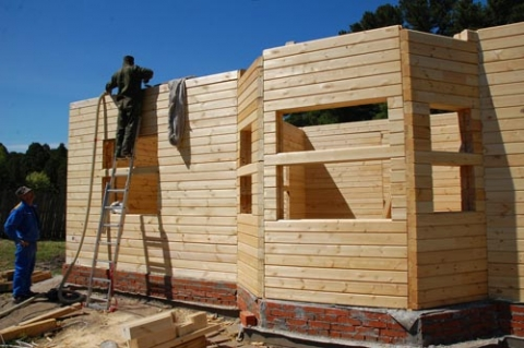 Стройка дома из бруса видео